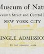 Dazu eine einfache Eintrittskarte, eine Mitgliedskarte auf Lebenszeit und ein kleiner Briefumschlag. (Karten: 9,6 cm x 6,0 cm, Umschlag: 10,5 cm x 6,8 cm)