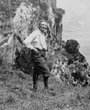 Recto: Hugo Obermaier 1914 bei der Höhle El Pindal (Asturias). Verbleib: Archiv der Hugo Obermaier-Gesellschaft, Erlangen.