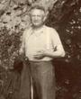 Recto: Hugo Obermaier 1938 in Romanelli (Italien). Verso: Romanelli 1938. Verbleib: Archiv der Hugo Obermaier-Gesellschaft, Erlangen.